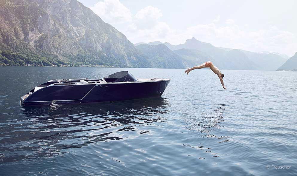 Frauscher Sprung vom Boot
