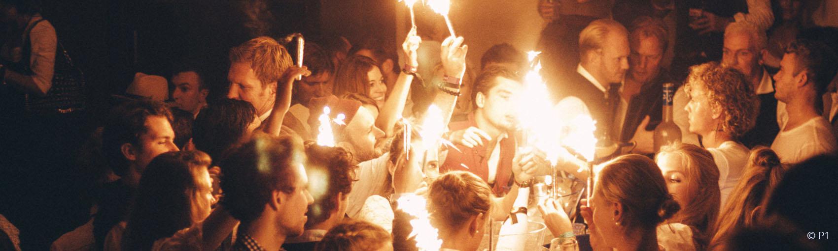 Afterwiesn P1 Feuerflammenerfüllte Atmosphäre