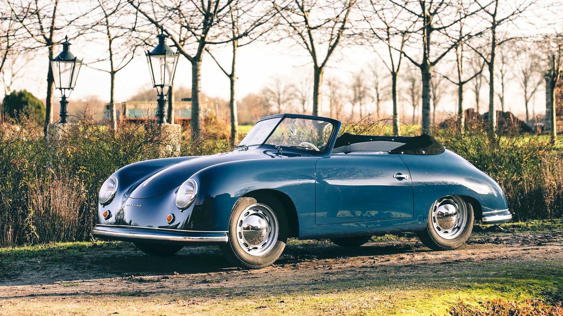 Oldtimer Porsche Cabrio blau