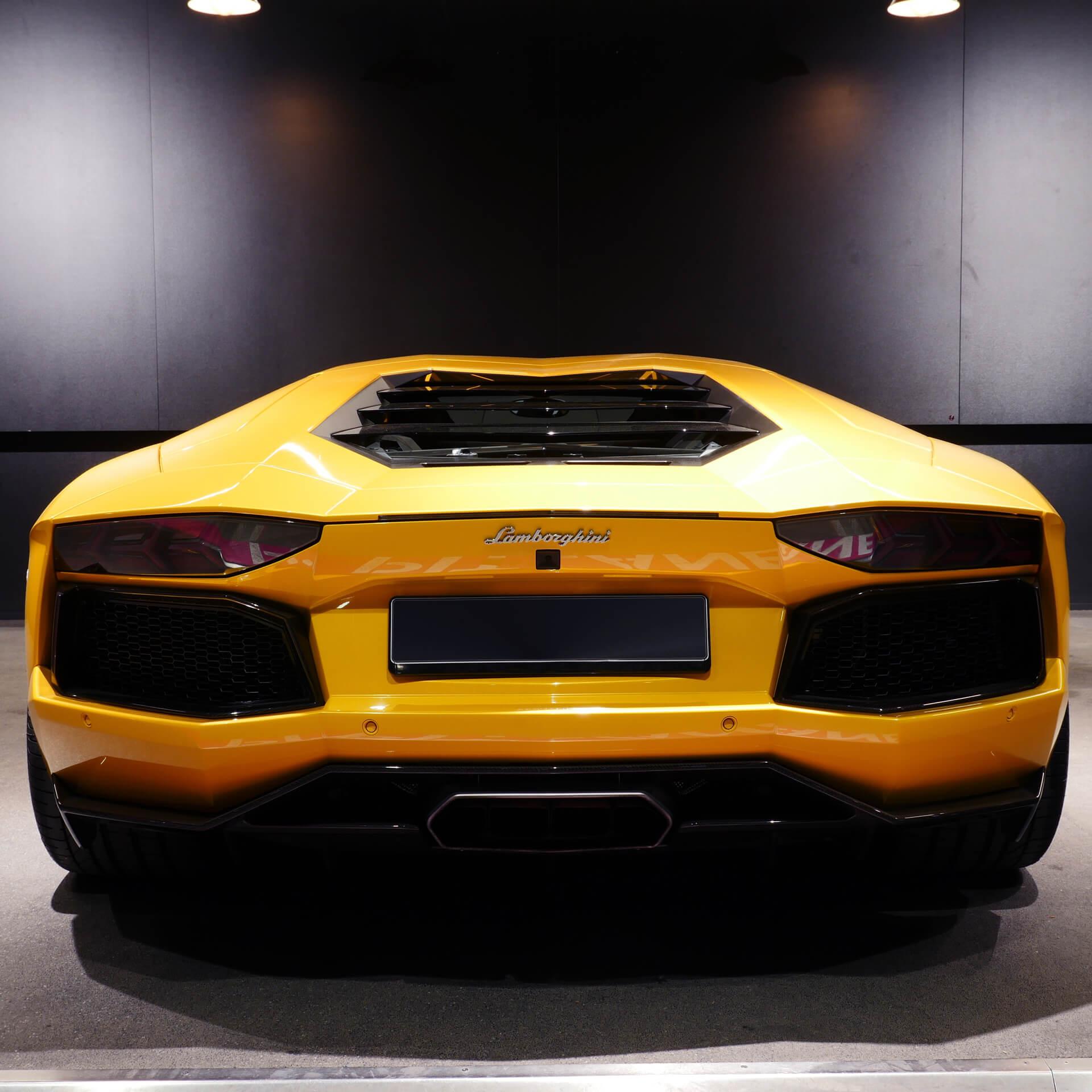 AIL Lamborghini Aventador LP 700-4 Imperione Giallo Orion Pearl 3