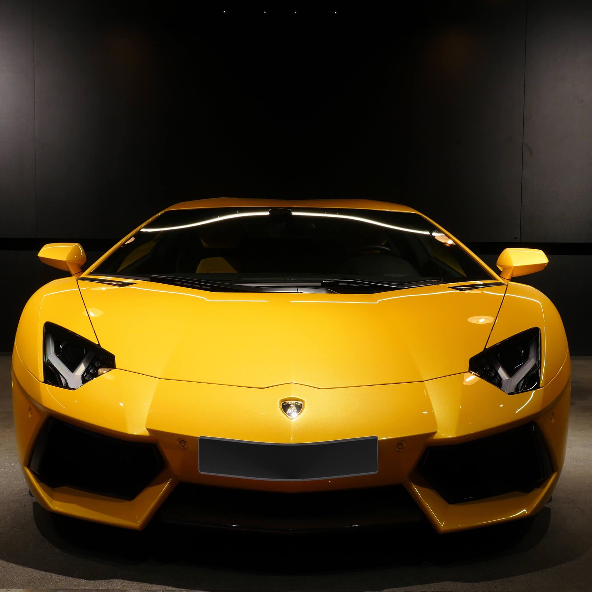 AIL Lamborghini Aventador LP 700-4 Imperione Giallo Orion Pearl 5