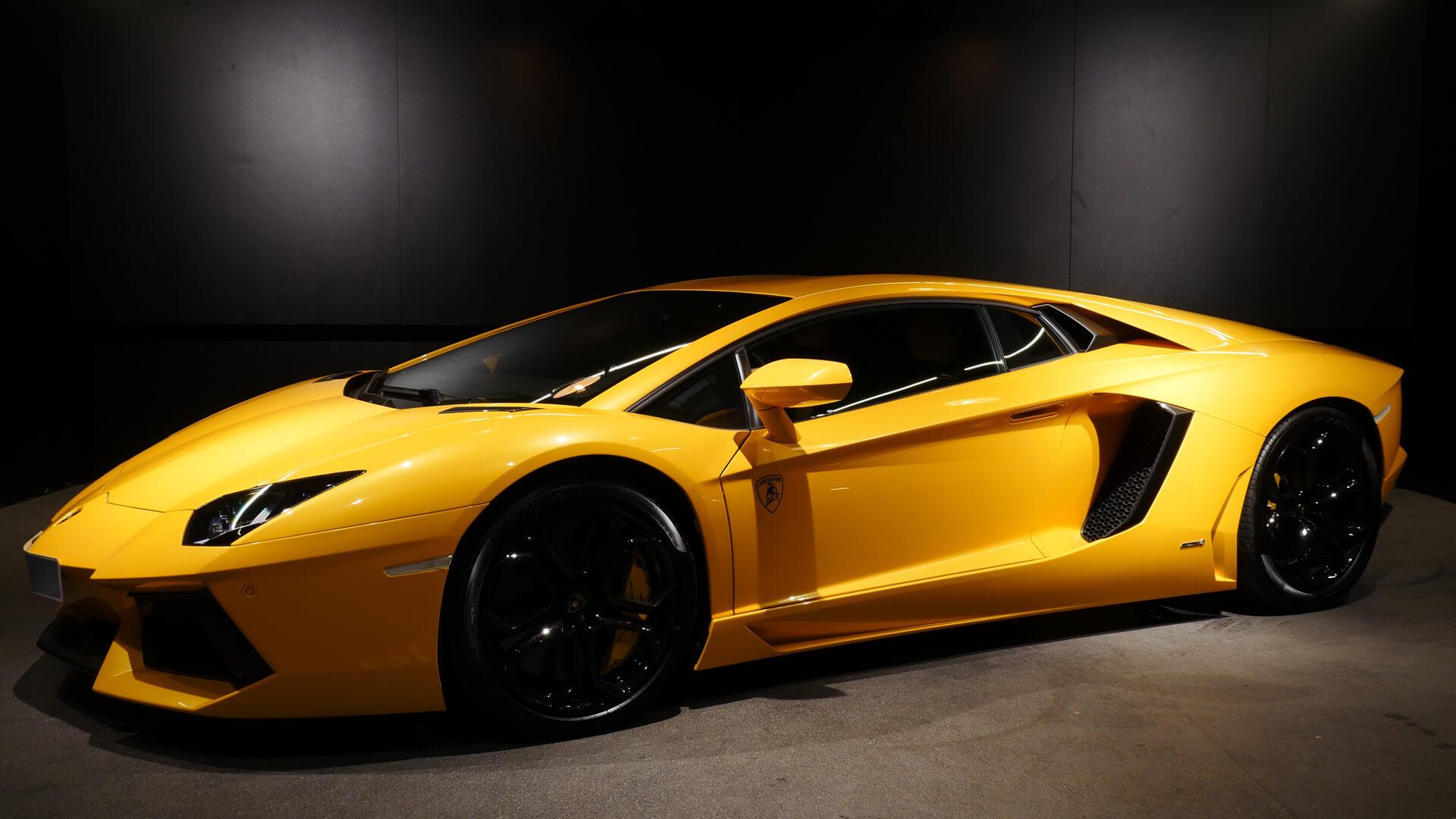 AIL Lamborghini Aventador LP 700-4 Imperione Giallo Orion Pearl 6