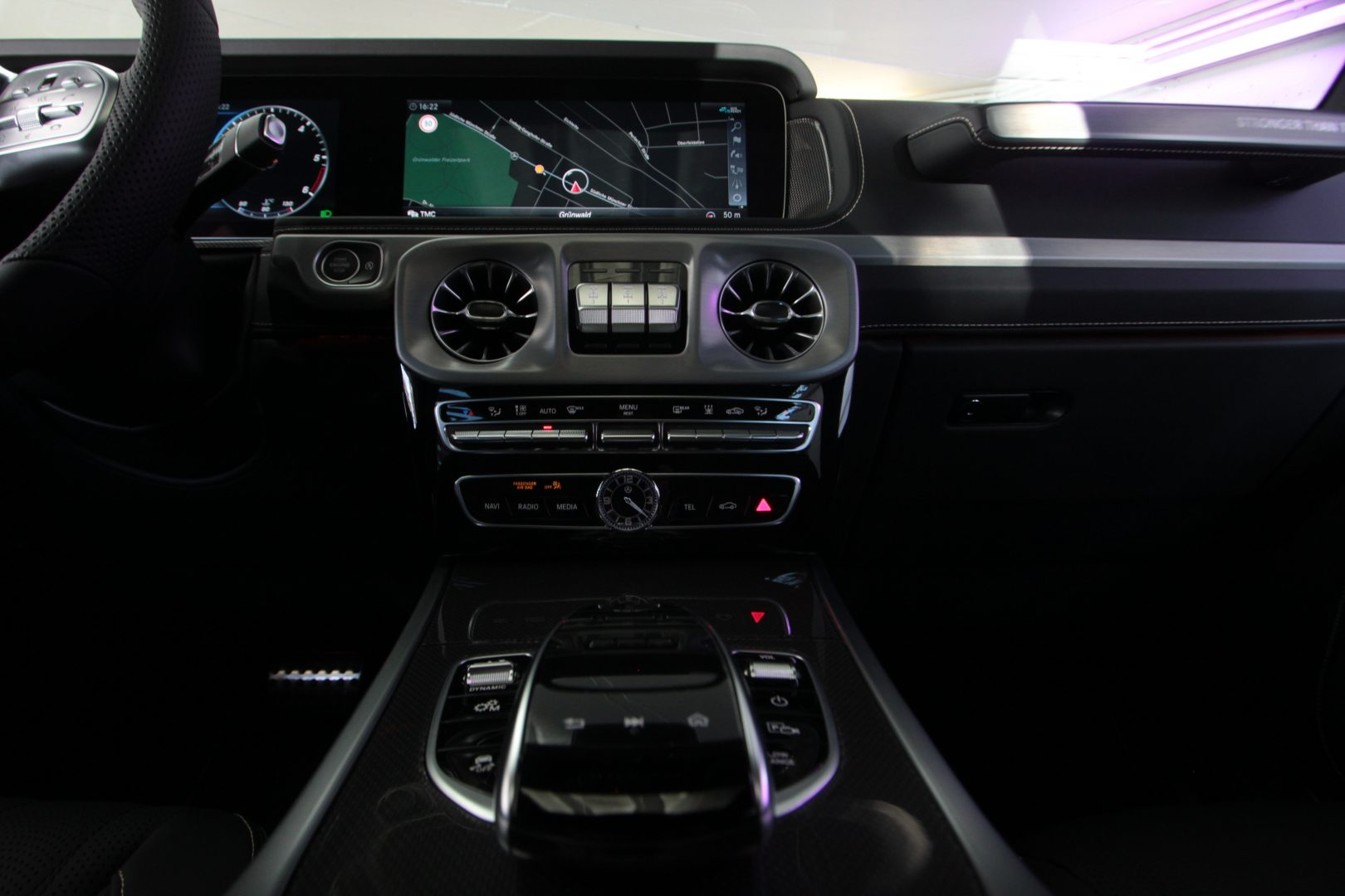 AIL Mercedes-Benz G 400 d Stronger than time Edition 11