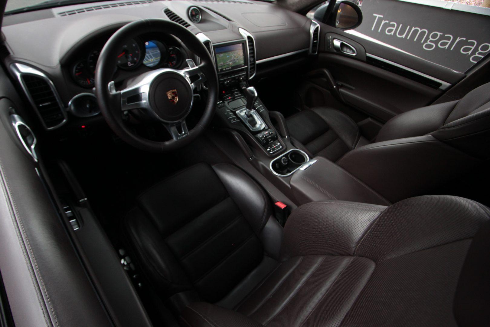 AIL Porsche Cayenne GTS Panorama Bose  10