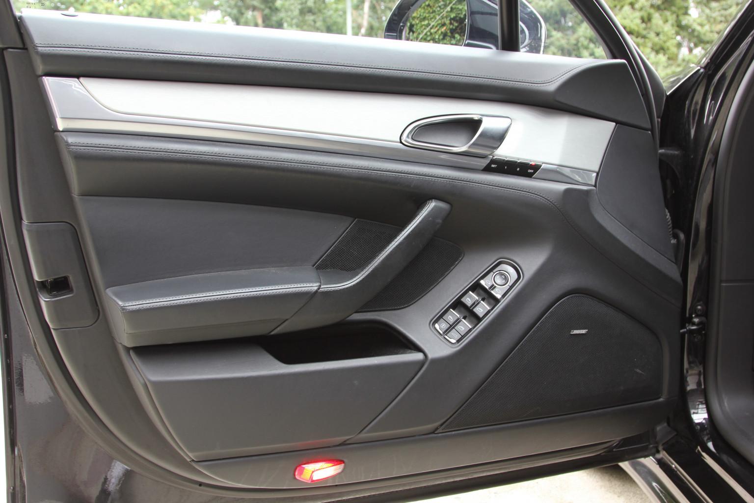 AIL Porsche Panamera Turbo S  Sport-Chrono-Paket  7