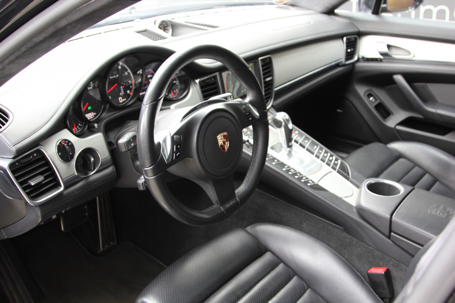 AIL Porsche Panamera Turbo S  Sport-Chrono-Paket  8