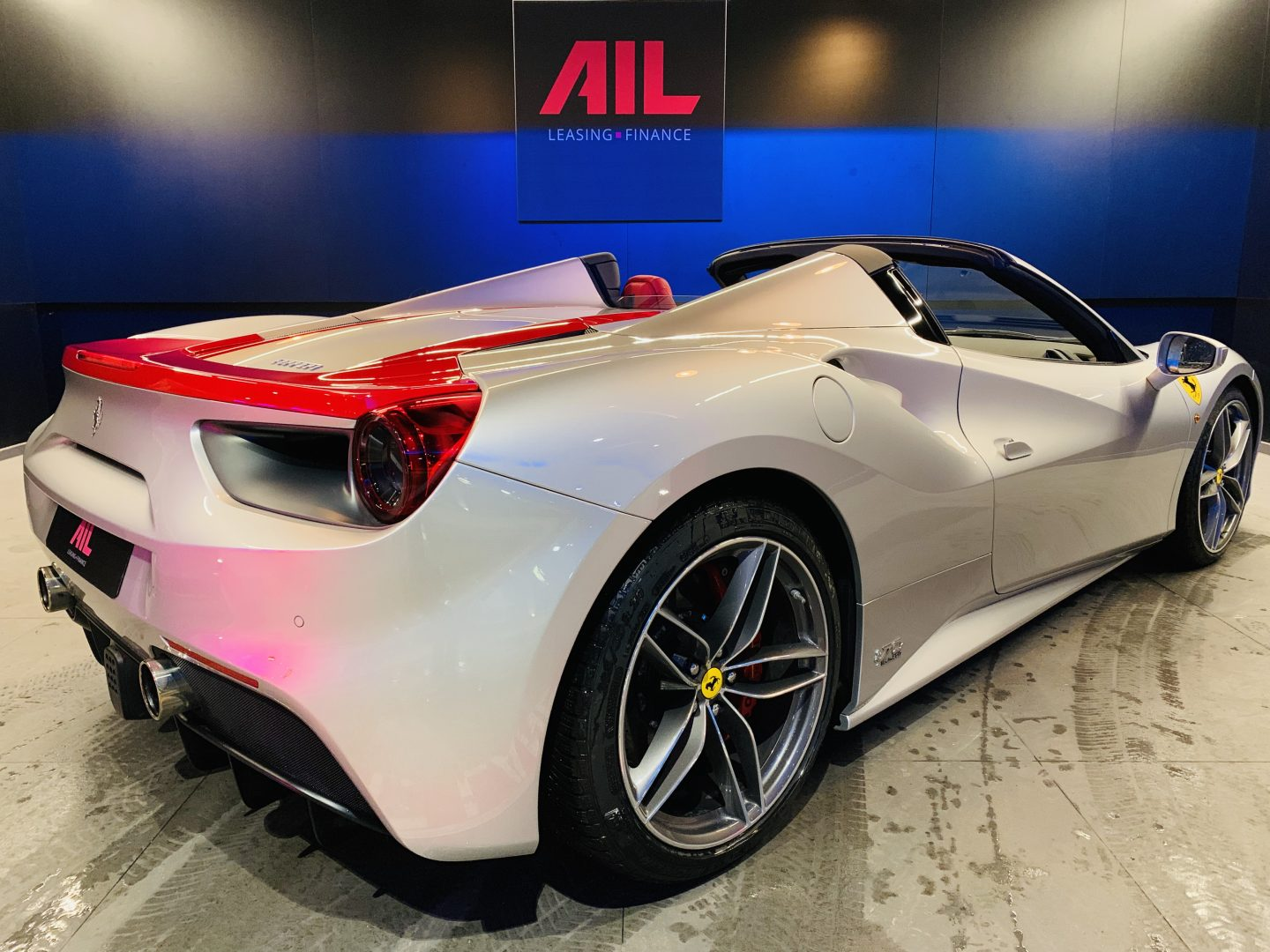 AIL Ferrari 488 Spider Tailor Made  12