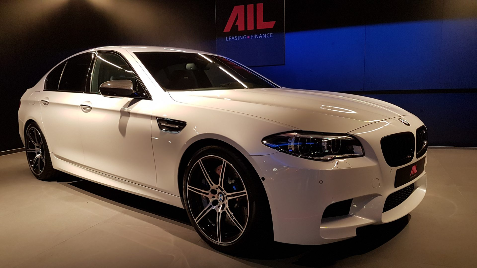 AIL BMW M5 Competition Paket Merino 1