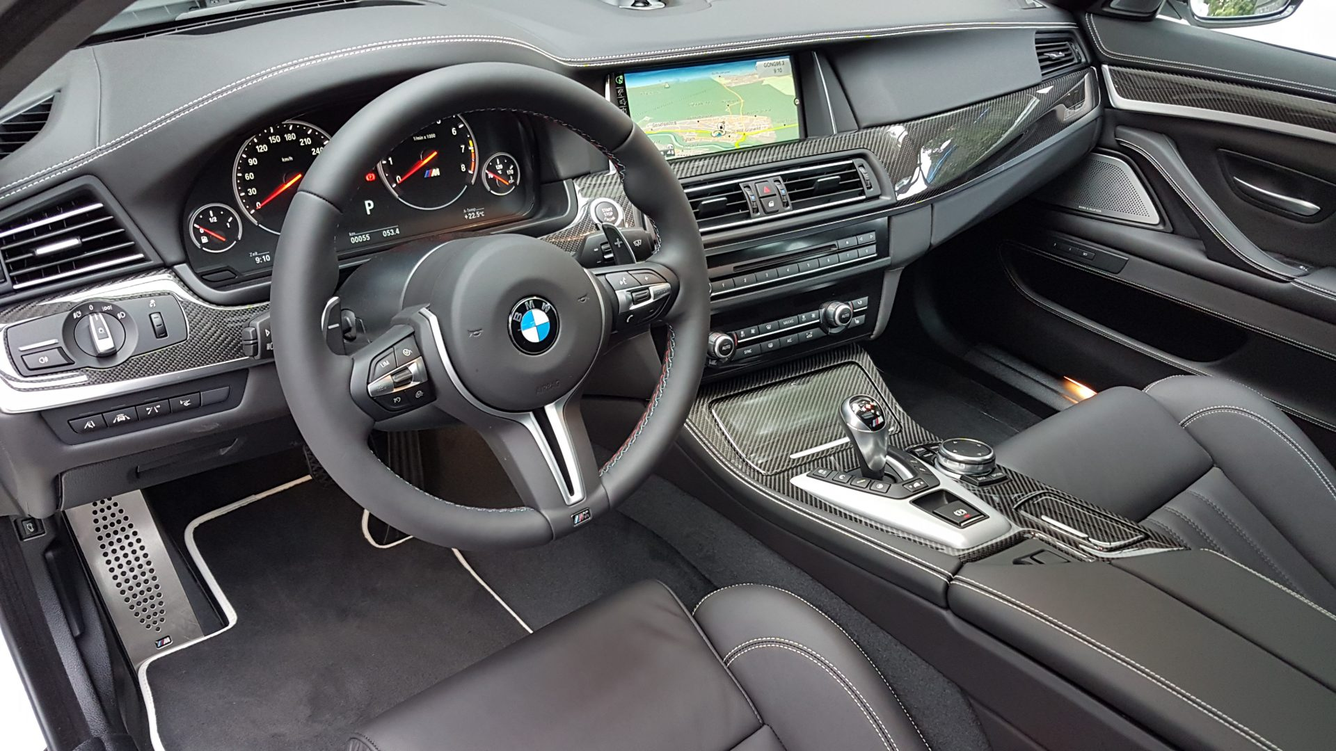 AIL BMW M5 Competition Paket Merino 9