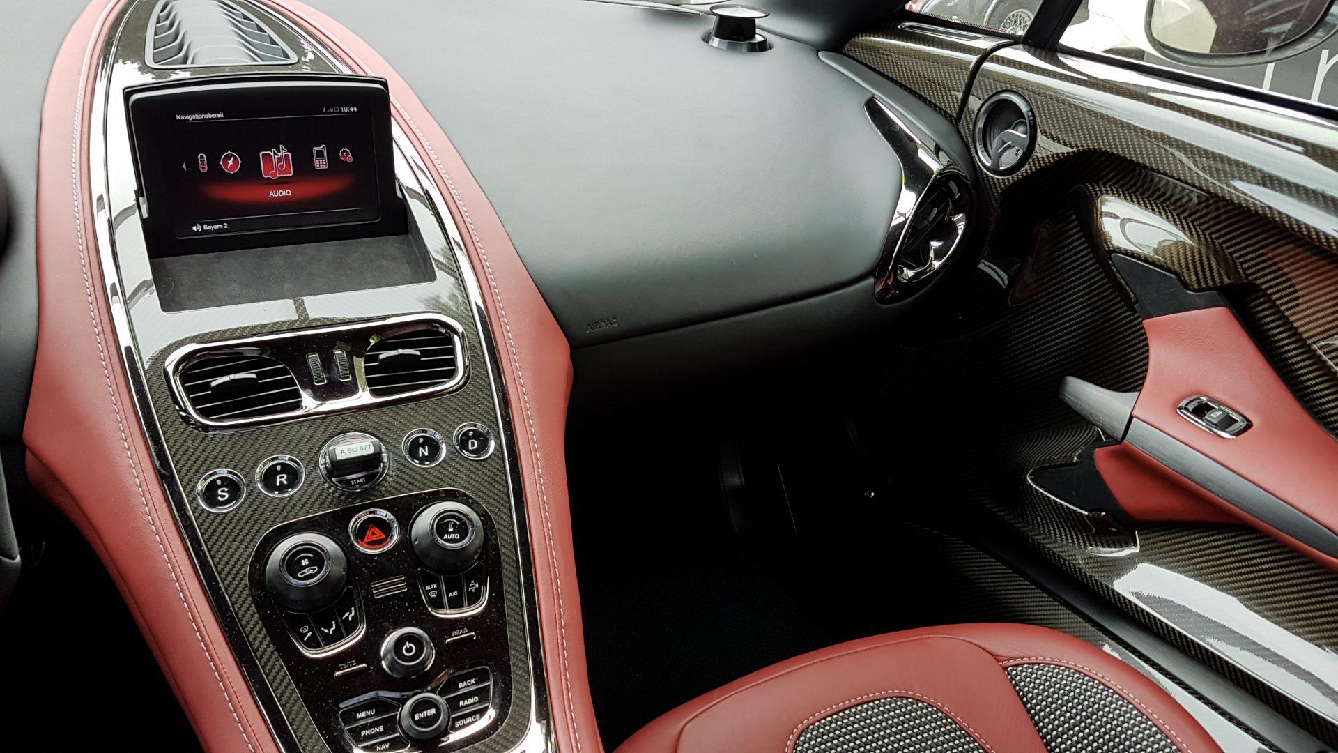 AIL Aston Martin ONE 77 4