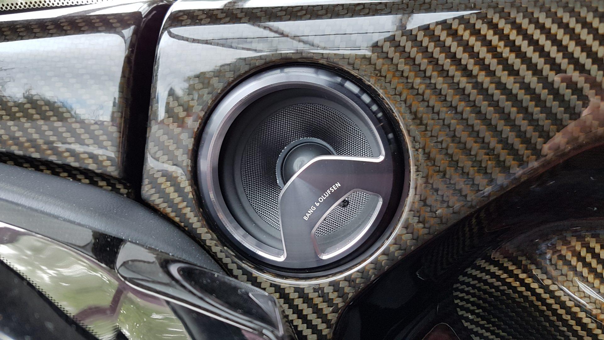 AIL Aston Martin ONE 77 10