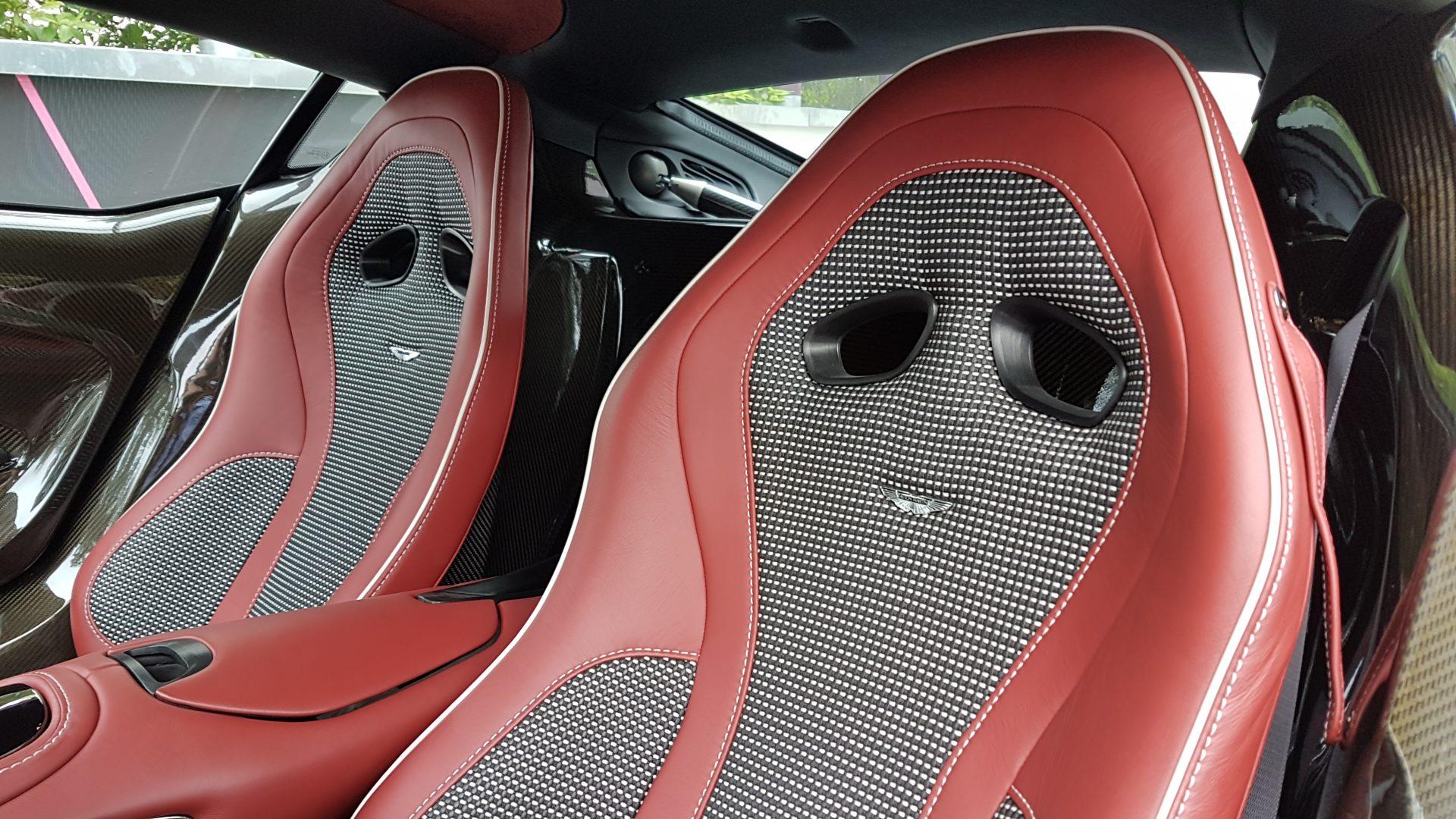 AIL Aston Martin ONE 77 12