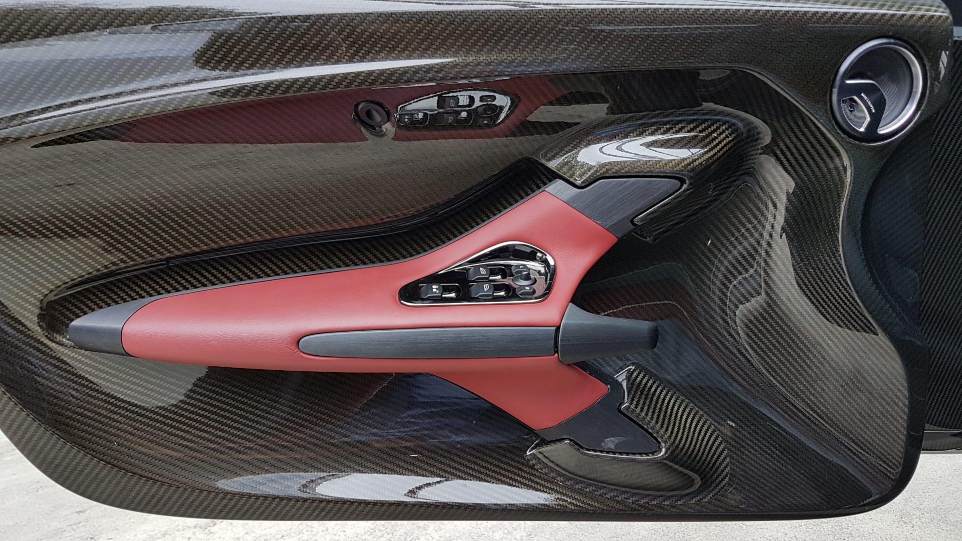 AIL Aston Martin ONE 77 6