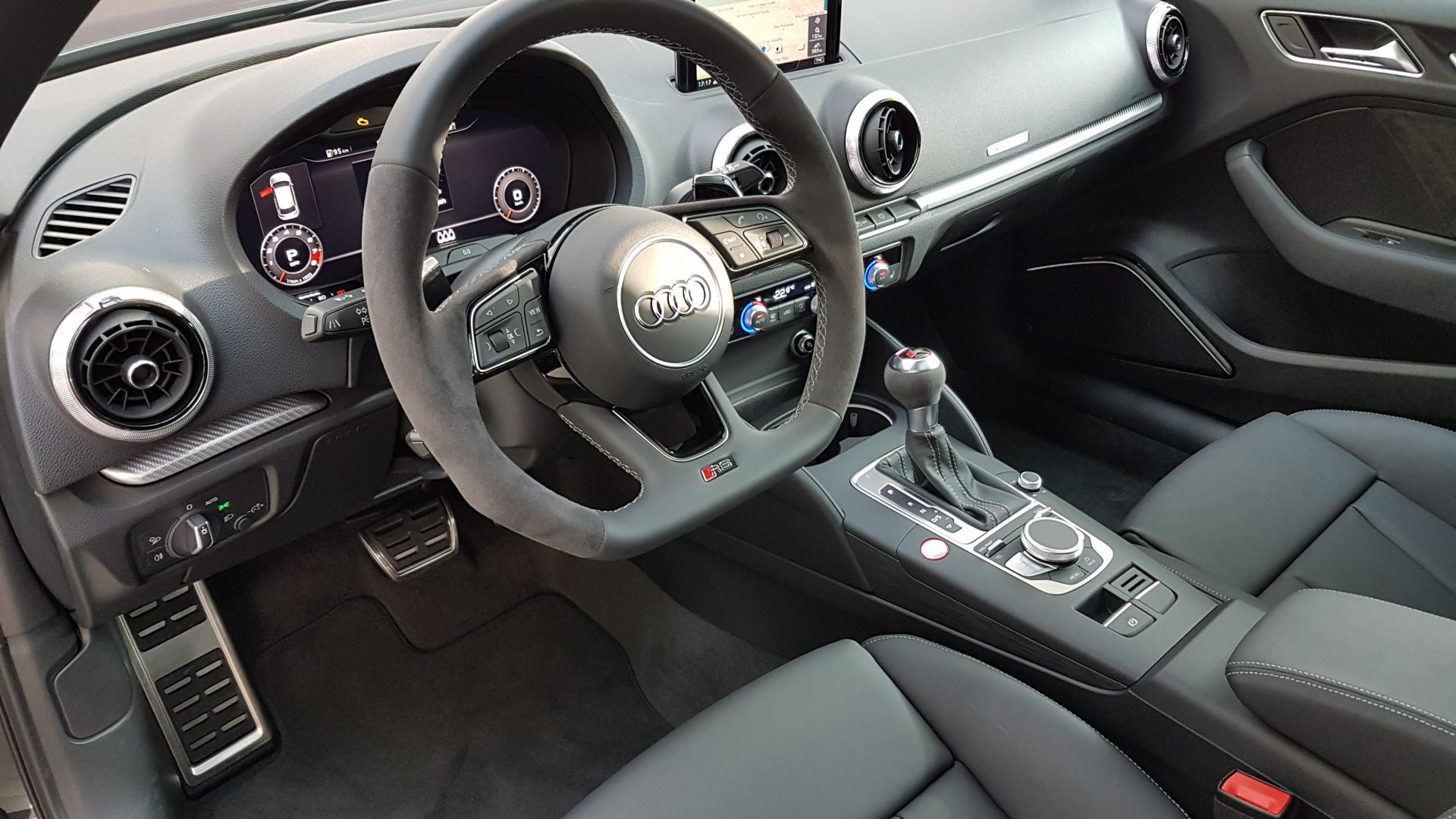 AIL Audi RS3 Sportback Matrix Panorama Virtual Cockpit 7