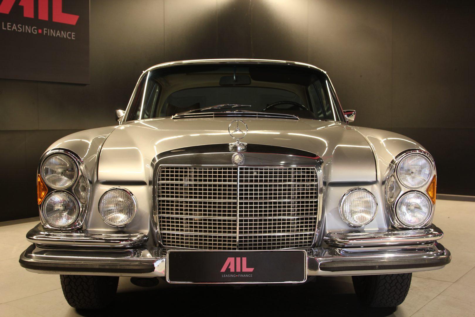 AIL Mercedes-Benz 280SE 3.5  3