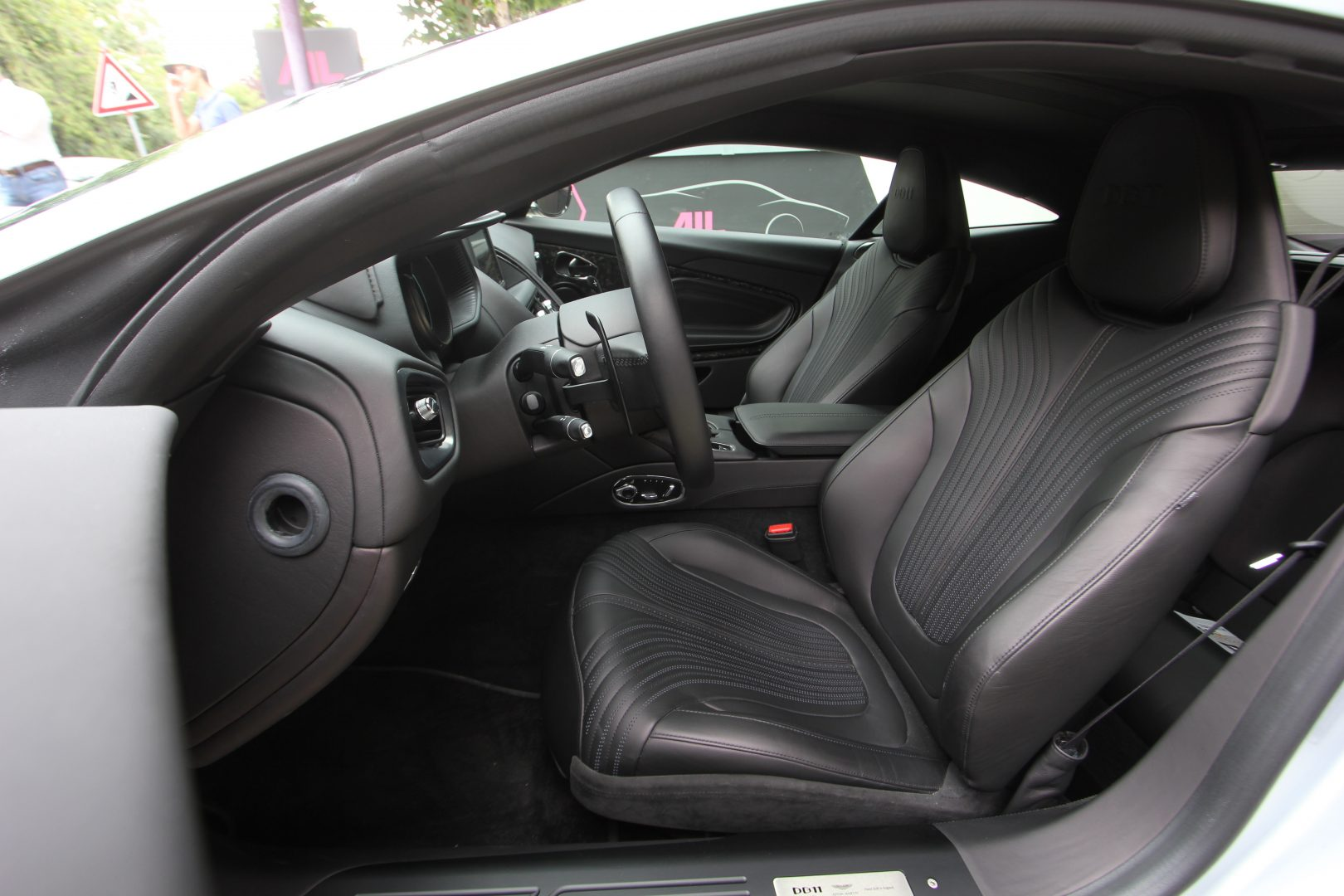 AIL Aston Martin DB11 Coupe 5.2 V12 11