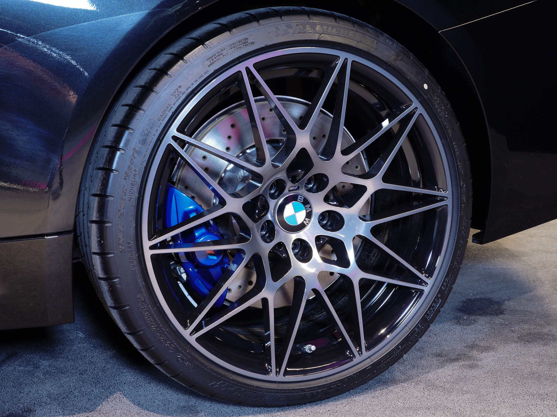 AIL BMW M4 Performance Individual 2