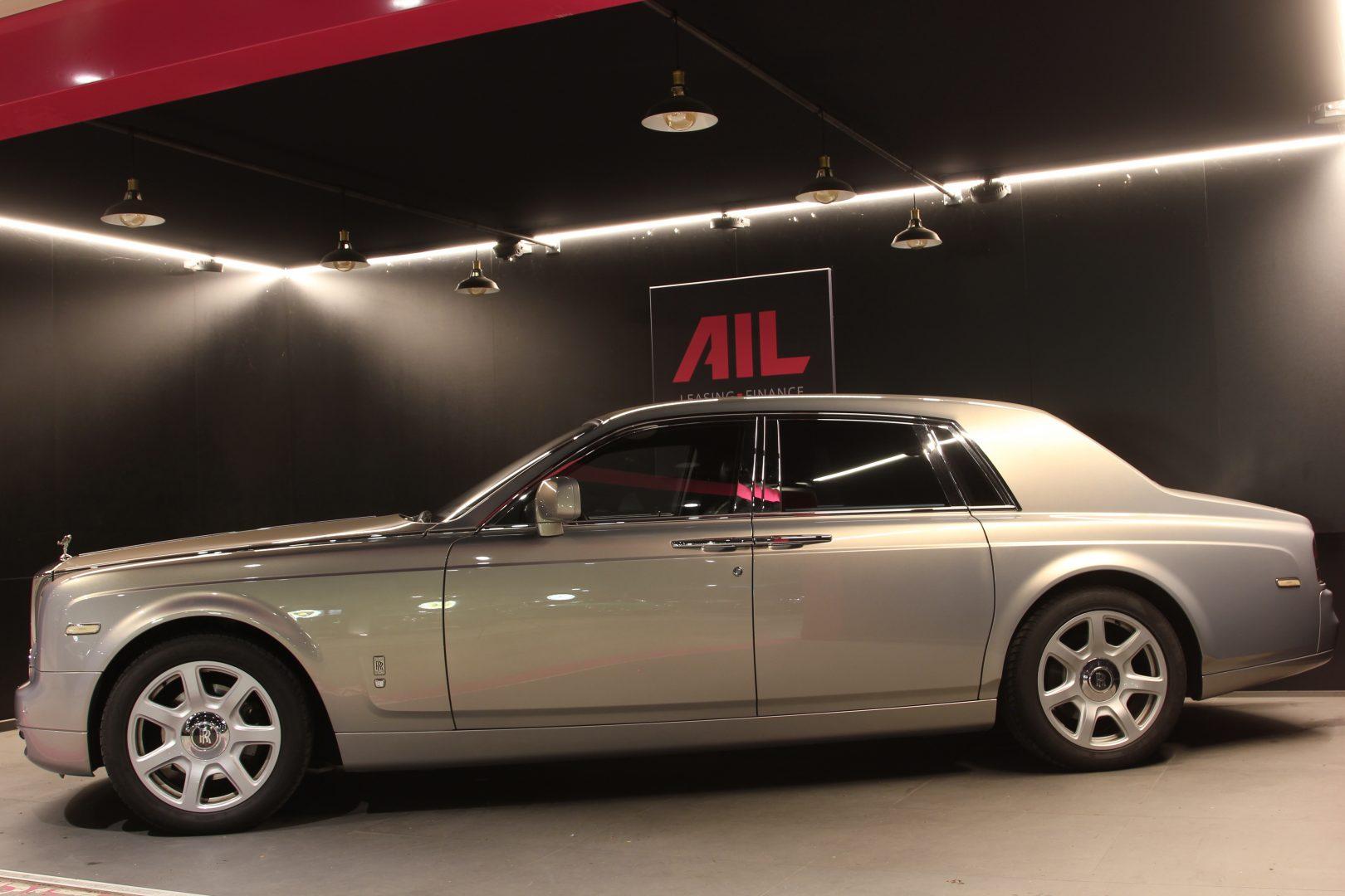 AIL Rolls Royce Phantom Mansory Sternenhimmel  8