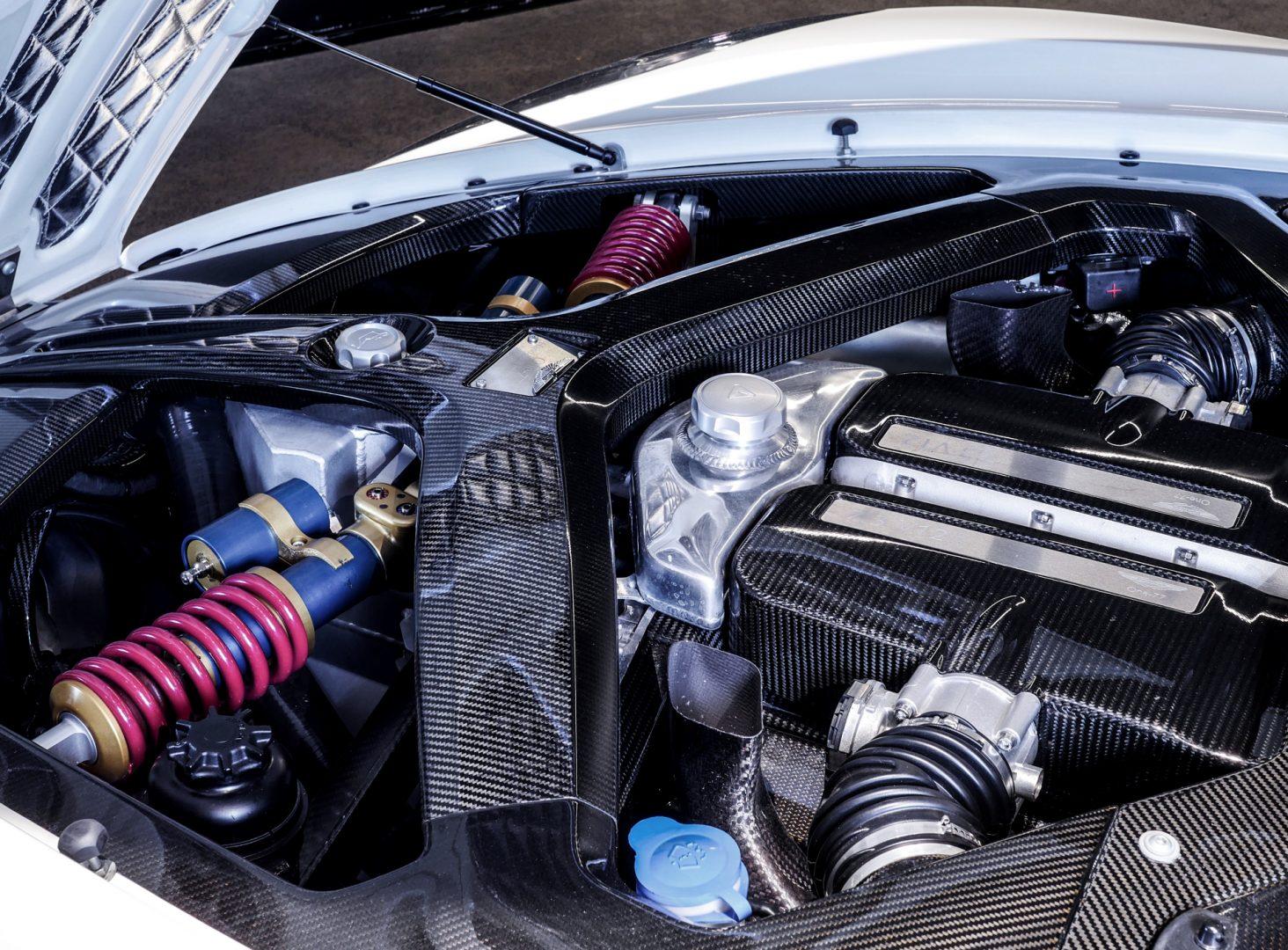 AIL Aston Martin ONE 77 13