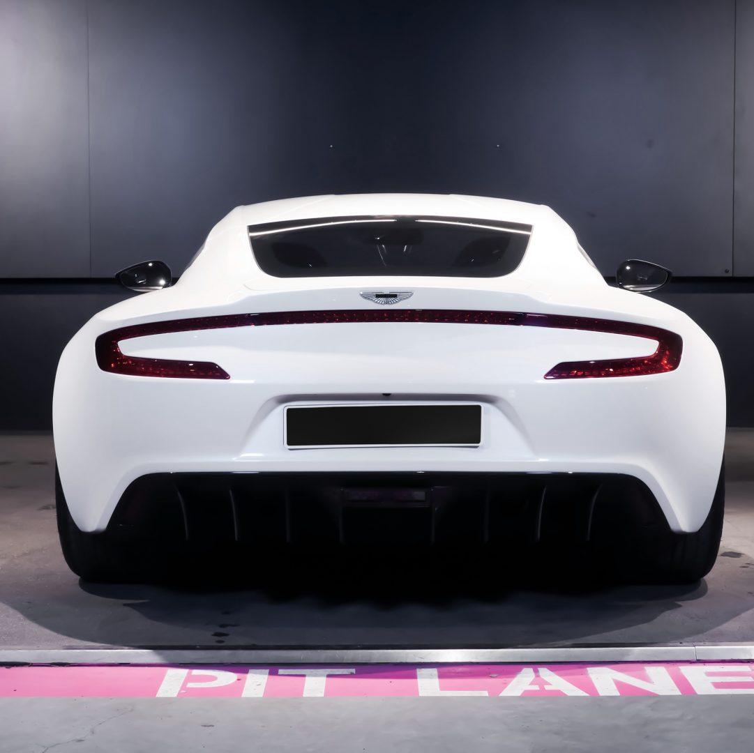 AIL Aston Martin ONE 77 1
