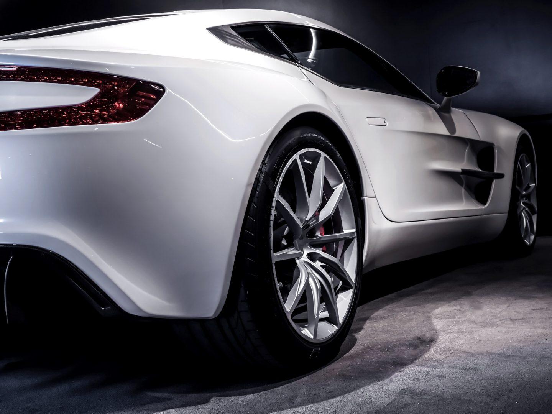 AIL Aston Martin ONE 77 3