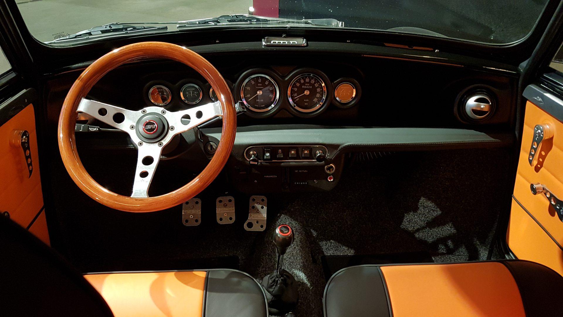 AIL MINI Leyland Innocenti Mini Cooper 1300 3