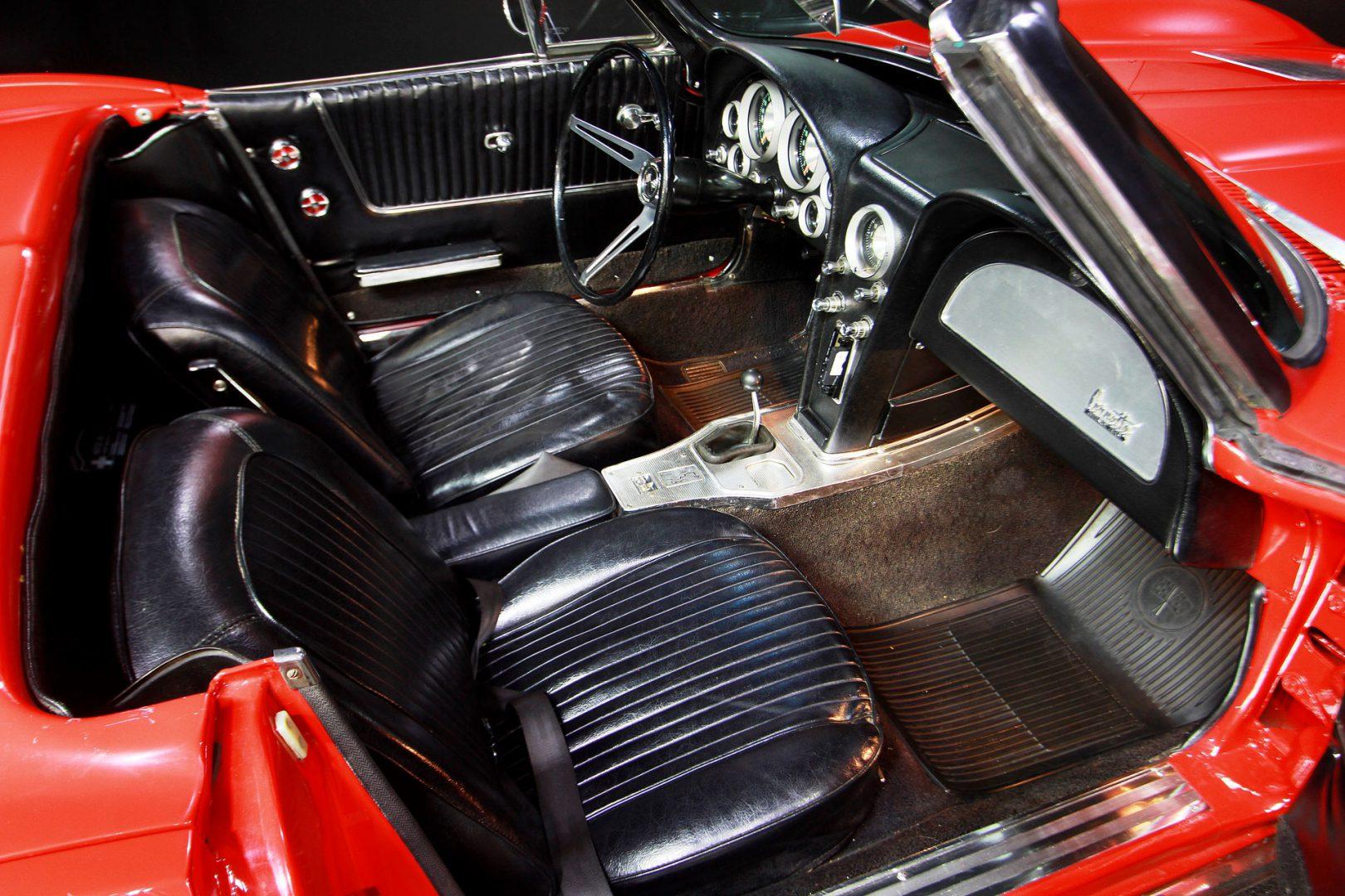 AIL CORVETTE Corvette C2 Cabrio Stingray V8  1