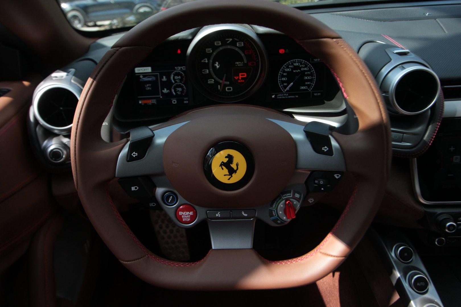 AIL Ferrari GTC4Lusso V12 8