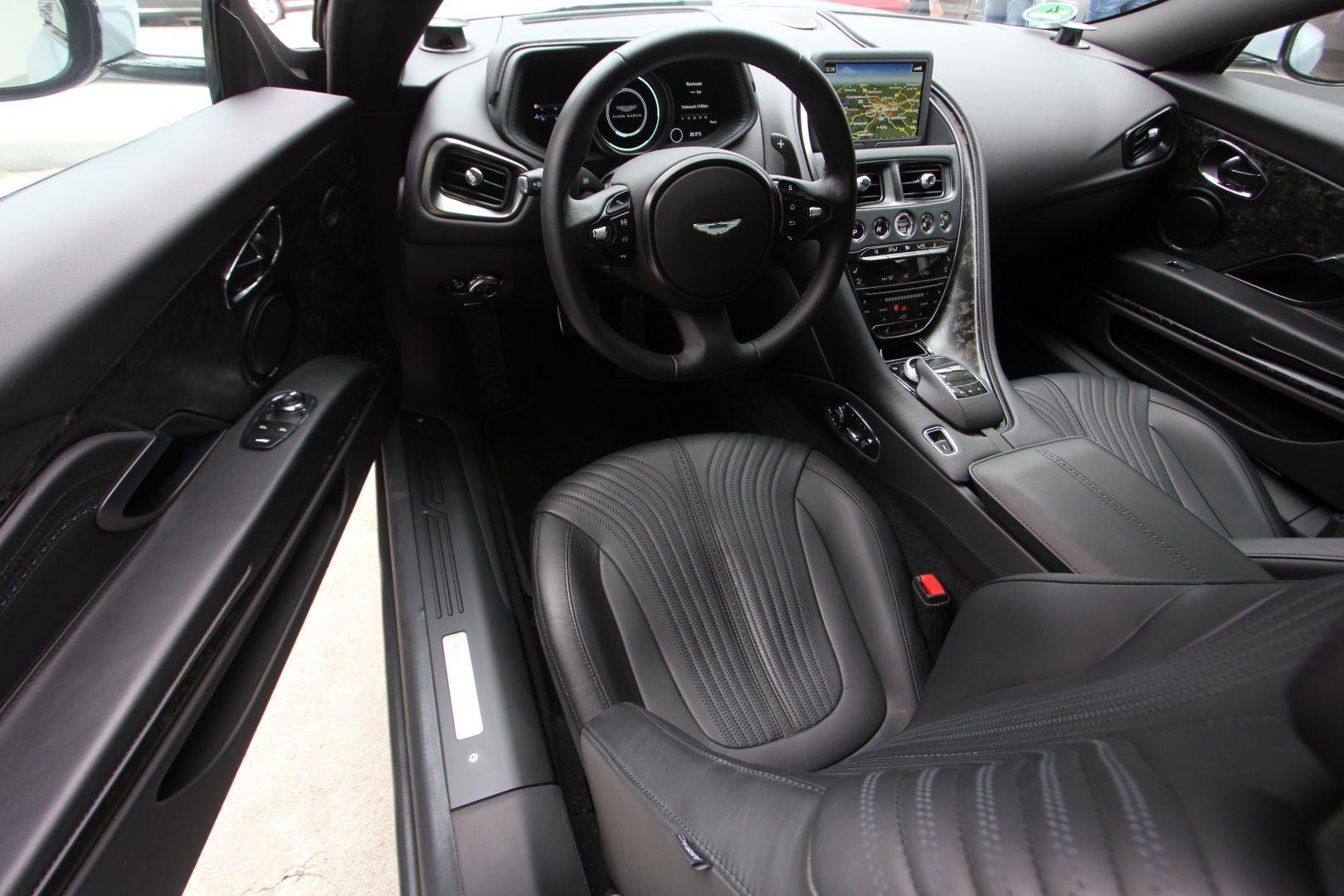 AIL Aston Martin DB11 Coupe 5.2 V12 10
