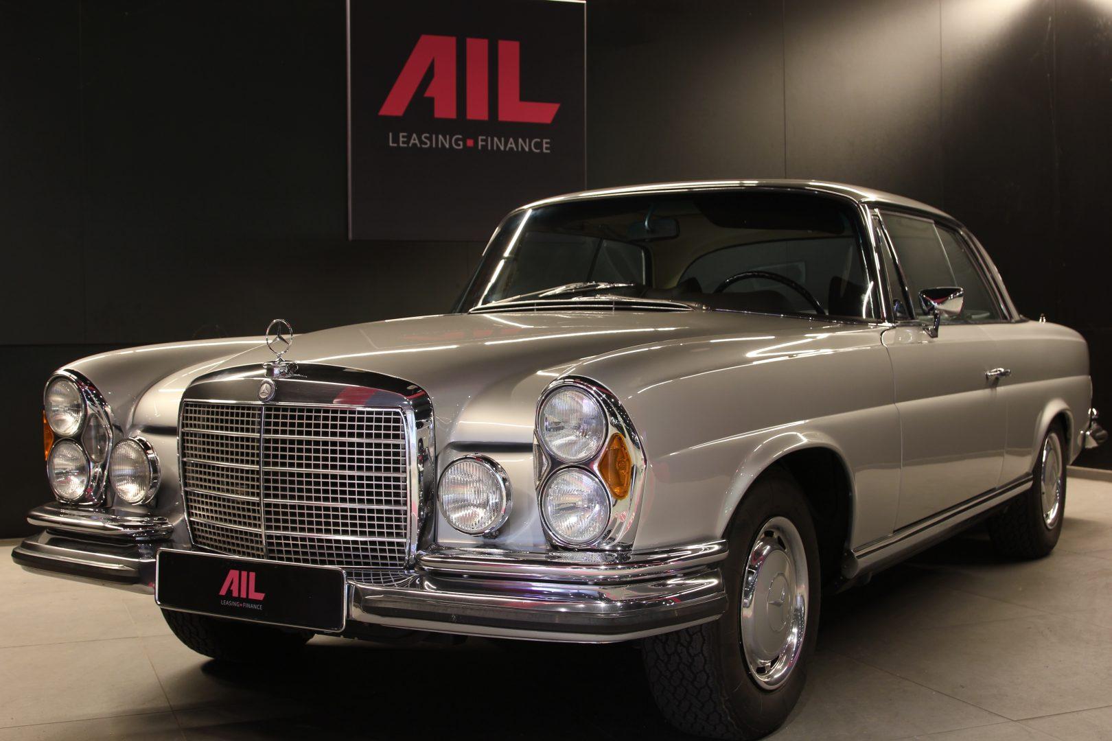 AIL Mercedes-Benz 280SE 3.5  10