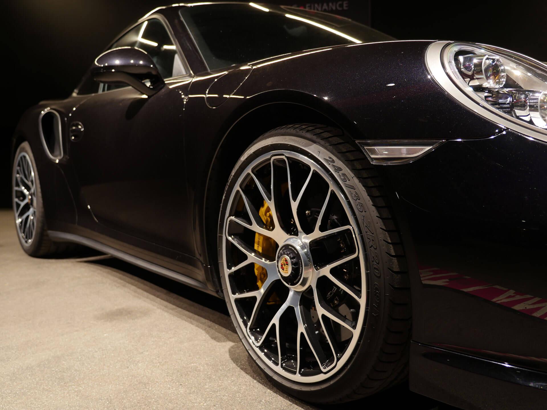 AIL Porsche 911 991 Turbo S Ceramic LED Sport Chrono Paket 2