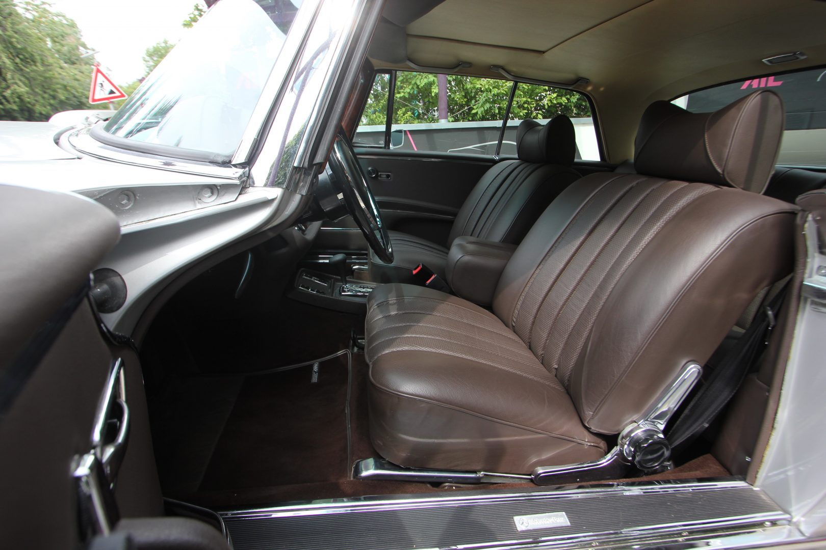 AIL Mercedes-Benz 280SE 3.5  2