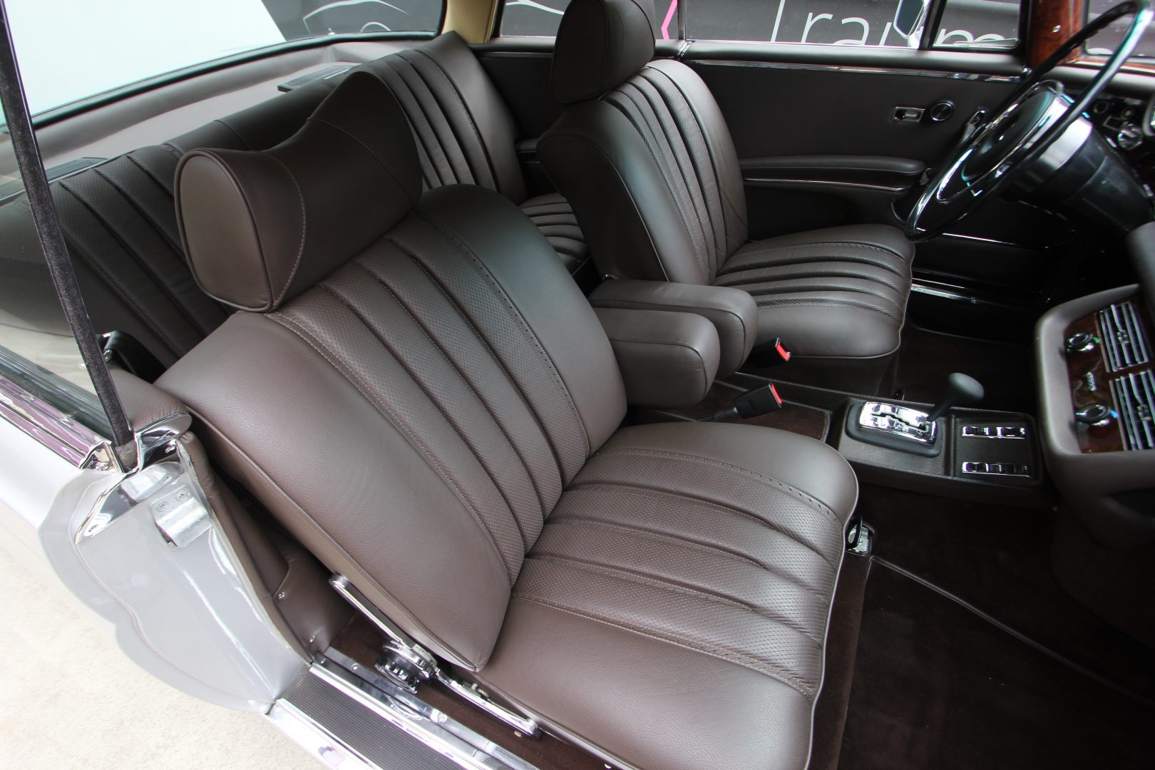 AIL Mercedes-Benz 280SE 3.5  9