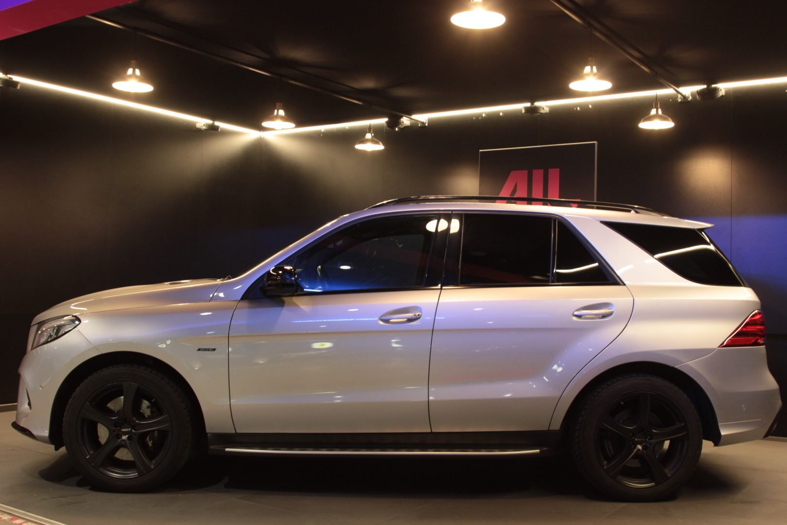 AIL Mercedes-Benz GLE 450 AMG 4Matic 6