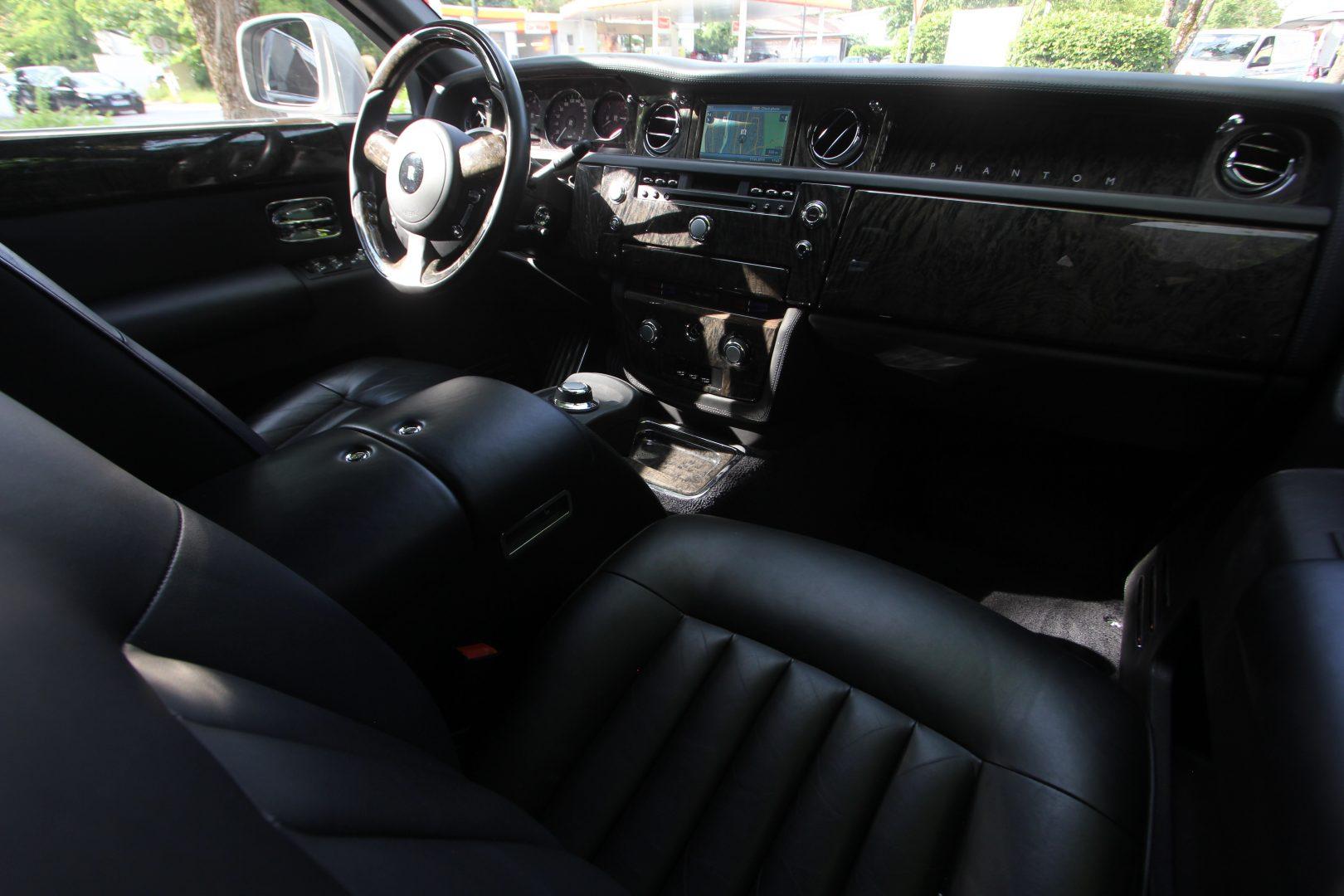 AIL Rolls Royce Phantom Mansory Sternenhimmel  11