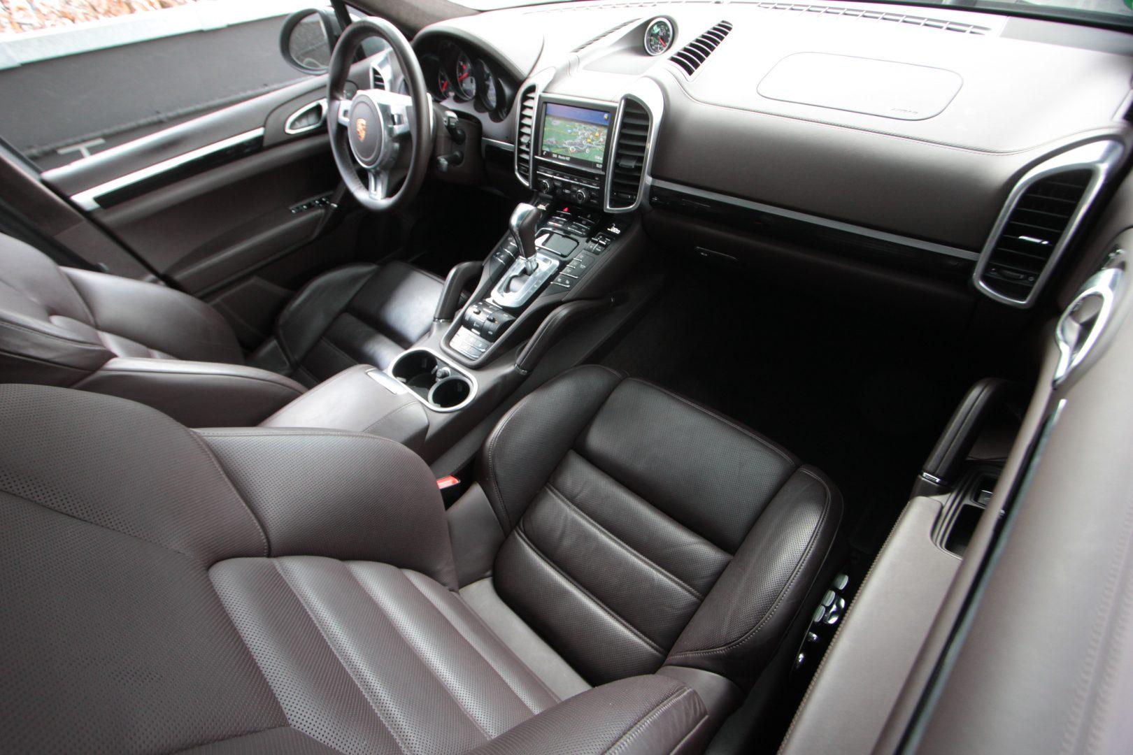 AIL Porsche Cayenne GTS Panorama Bose  8
