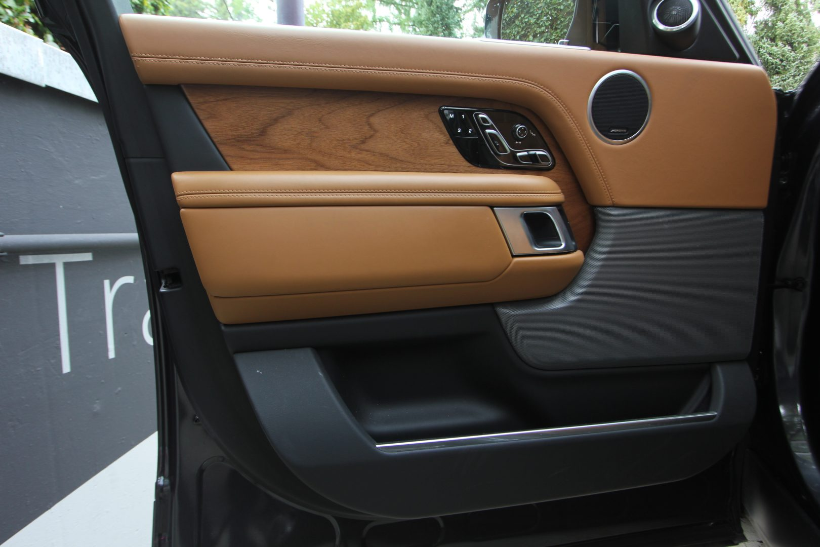AIL Land Rover Range Rover SDV8 Autobiography 11