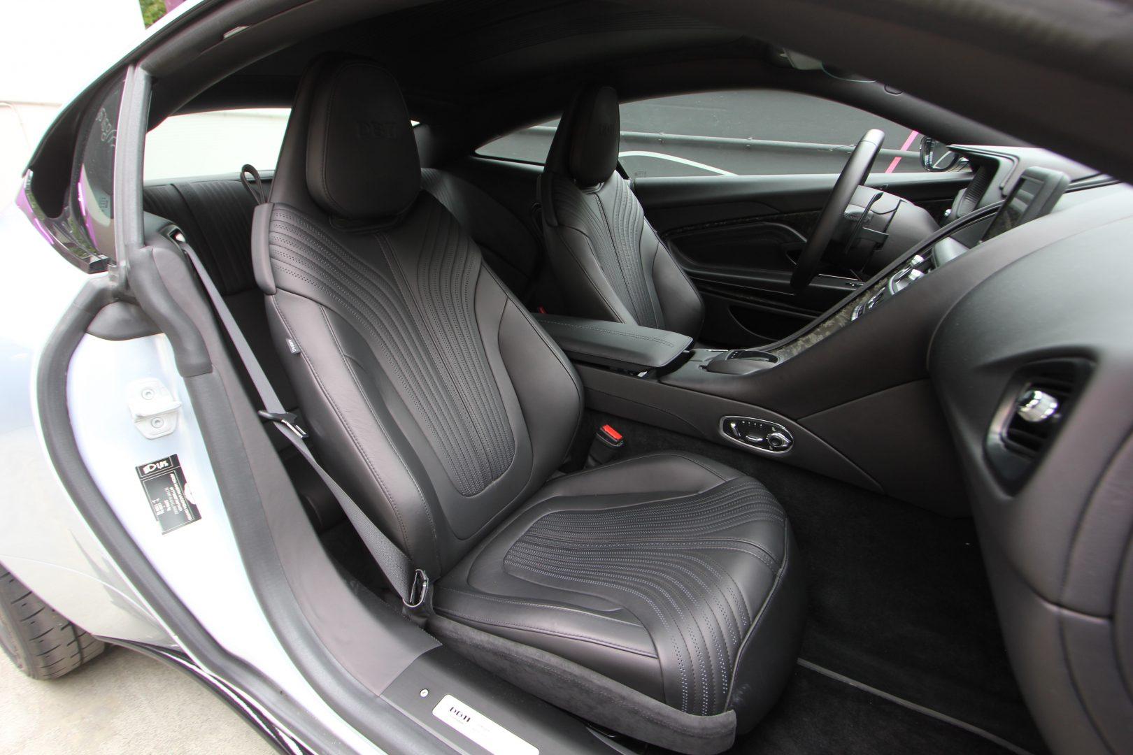 AIL Aston Martin DB11 Coupe 5.2 V12 8