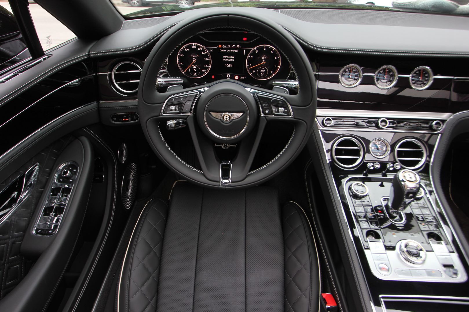 AIL Bentley Continental GTC Black line 16