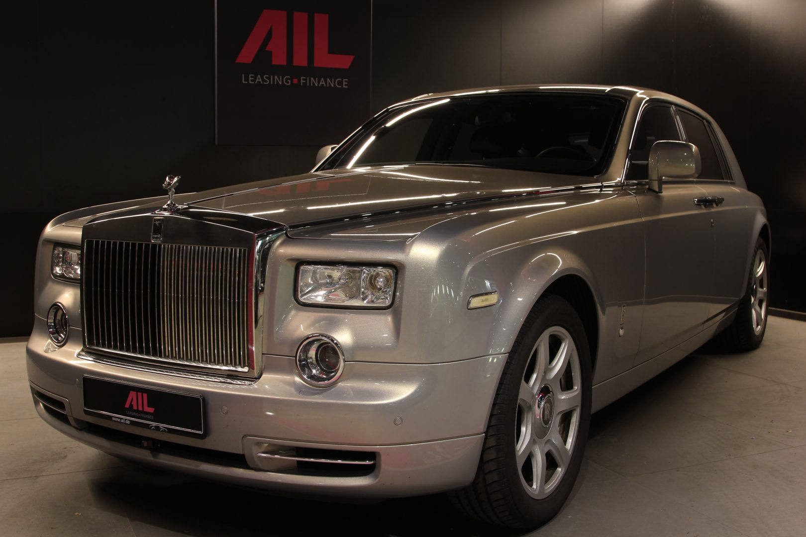 AIL Rolls Royce Phantom Mansory Sternenhimmel  15