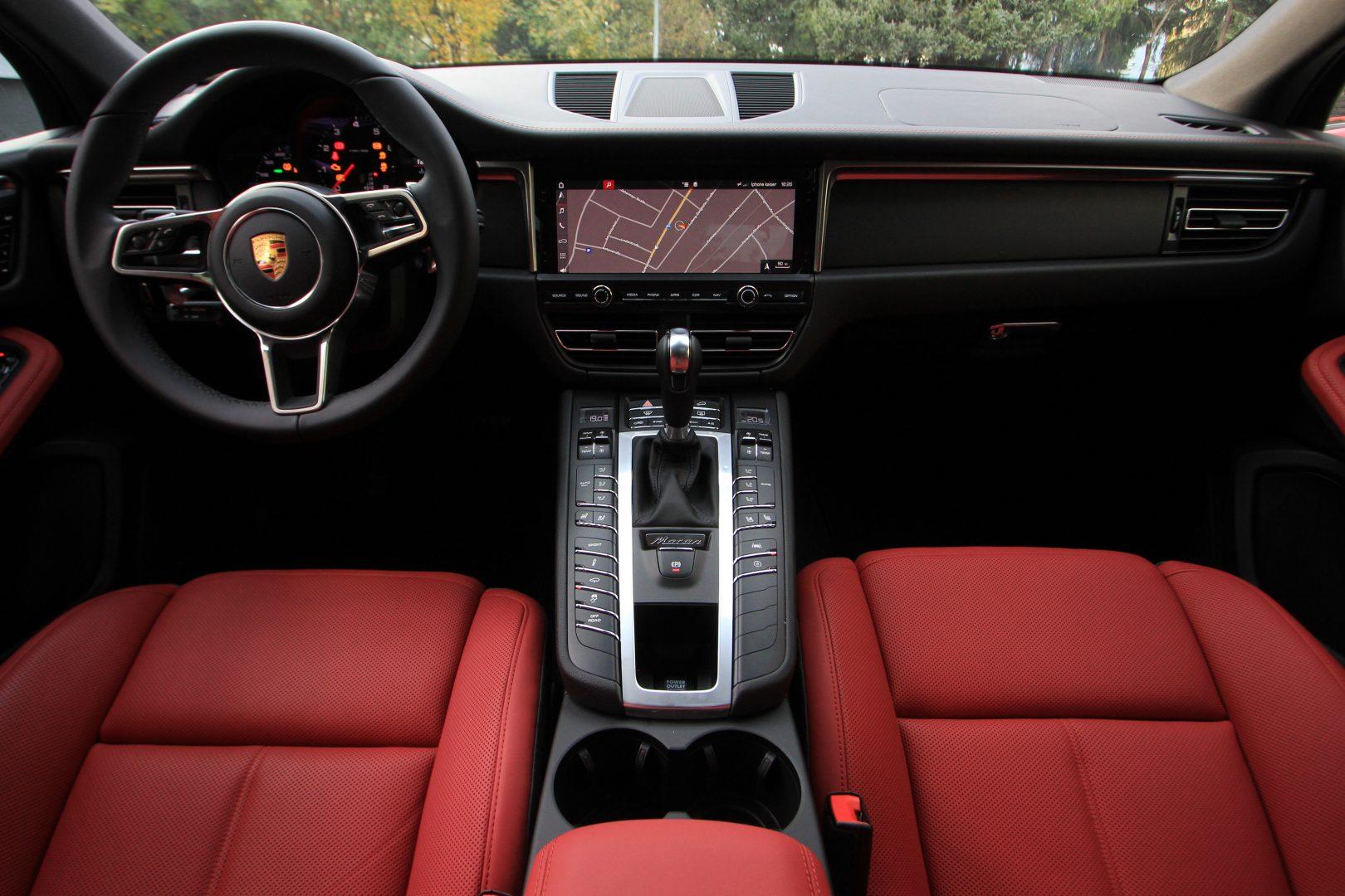 AIL Porsche Macan Sport Design Paket Panorama 3