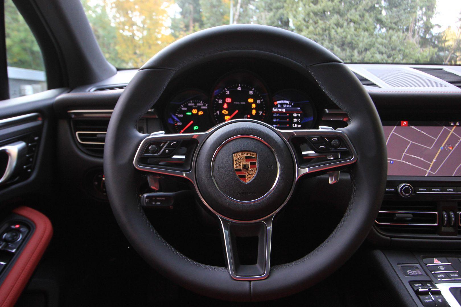 AIL Porsche Macan Sport Design Paket Panorama 5