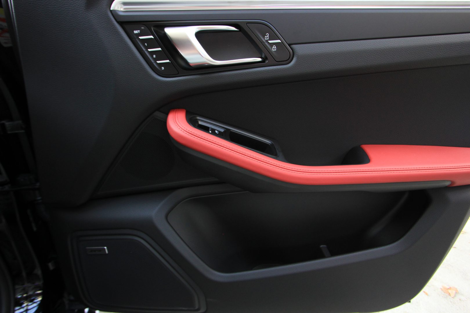 AIL Porsche Macan Sport Design Paket Panorama 6