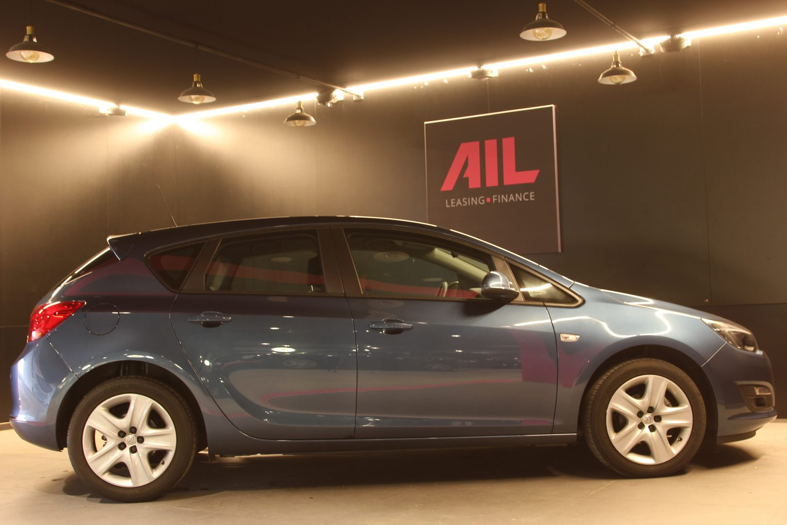 AIL Opel Astra Edition  8