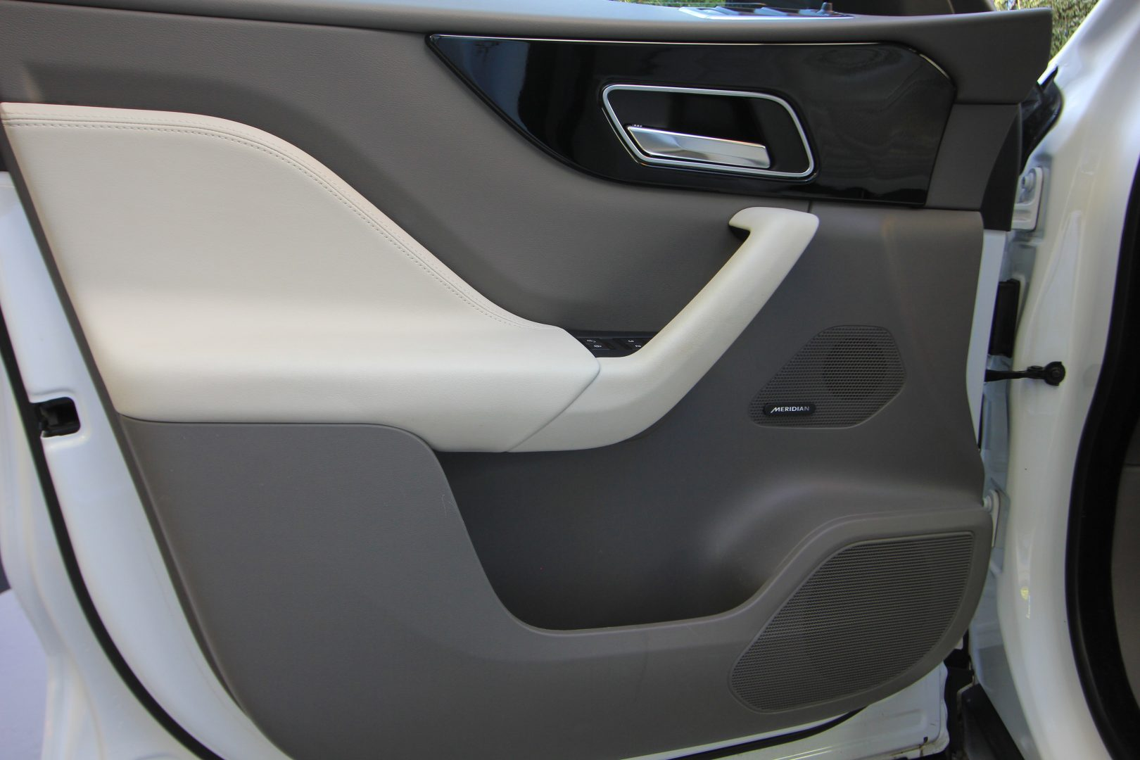 AIL Jaguar F-PACE Portfolio AWD Dynamic Paket 6
