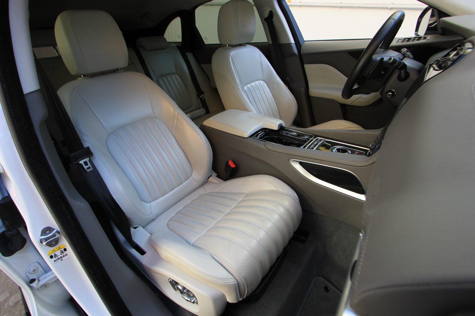 AIL Jaguar F-PACE Portfolio AWD Dynamic Paket 8