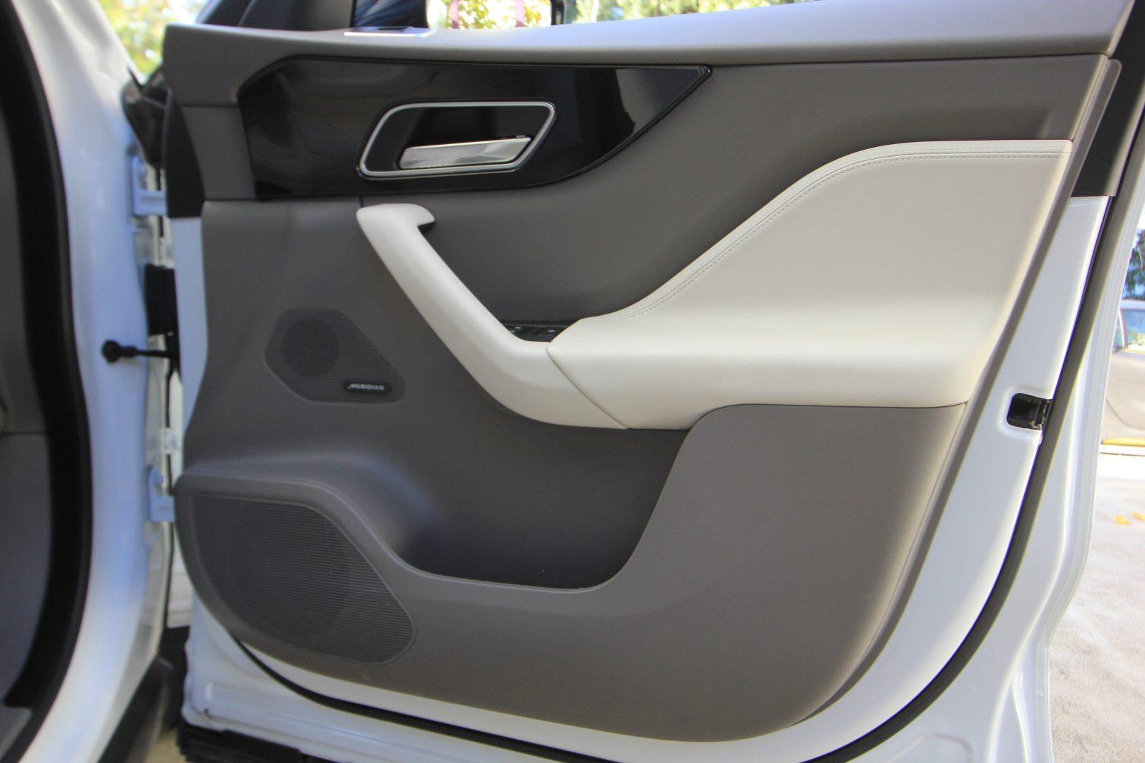 AIL Jaguar F-PACE Portfolio AWD Dynamic Paket 3