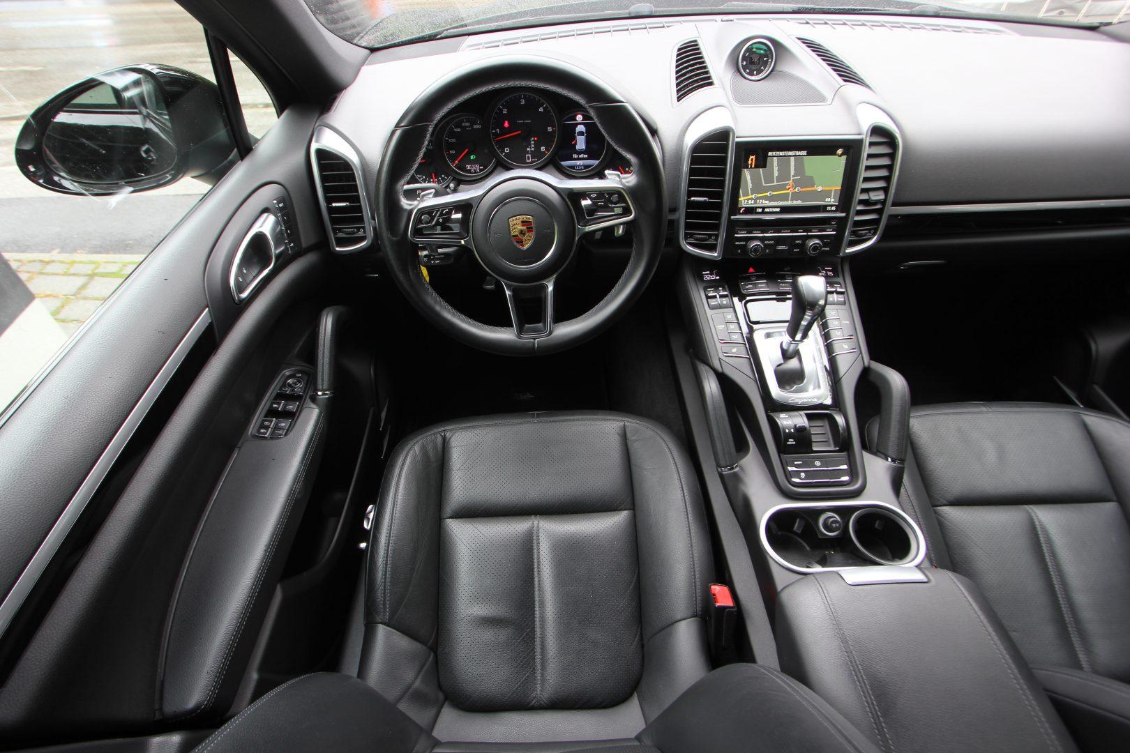 AIL Porsche Cayenne Panorama 21 Zoll  6