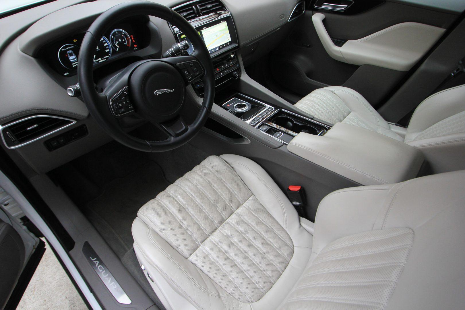 AIL Jaguar F-PACE Portfolio AWD Dynamic Paket 1