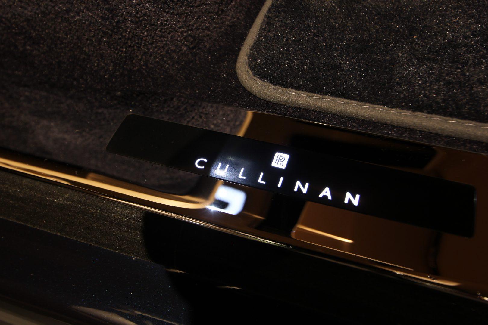 AIL Rolls Royce Cullinan V12 4